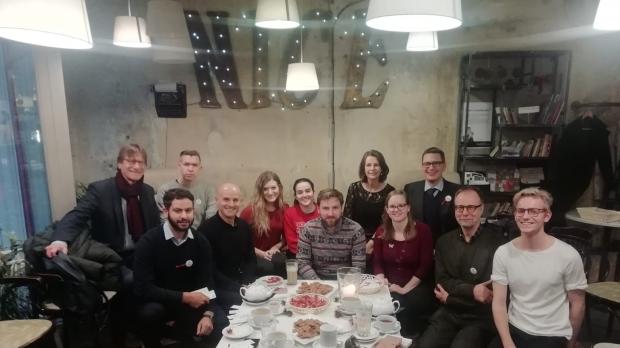 Latviešu valodas kursi pie Baltic Media pasniedzējas Ivetas Grīnbergas. Ziemassvētki 2018.