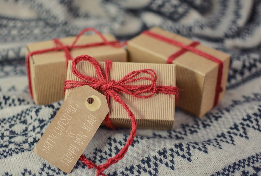 Valodu kursi – oriģināla un noderīga dāvana gan ģimenei, gan draugiem
